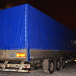 Тент-мешок синего цвета на полуприцеп Krone