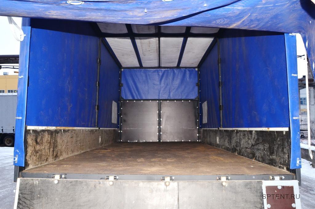 Тент на грузовой автомобиль Foton со светопрозрачной крышей, вид изнутри